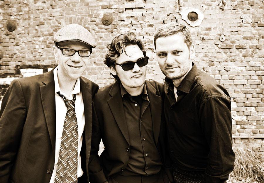 manhattan.radio.trio